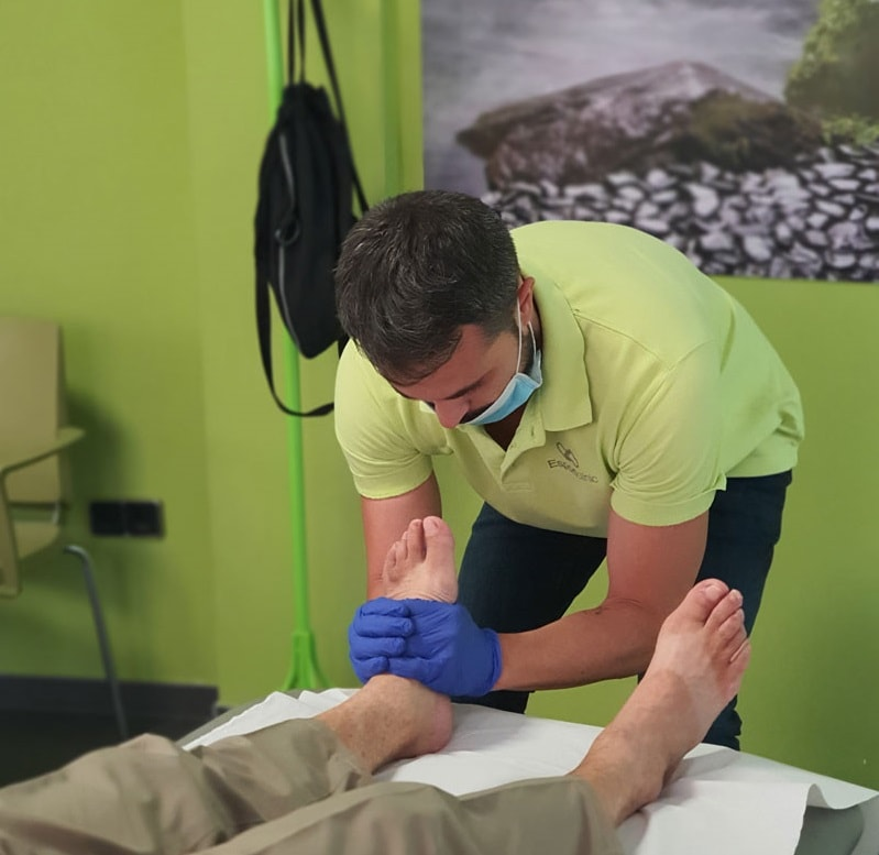 fisioterapeuta trabajando