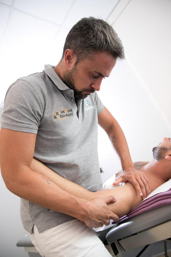 sesión de fisioterapia en Esportclínic